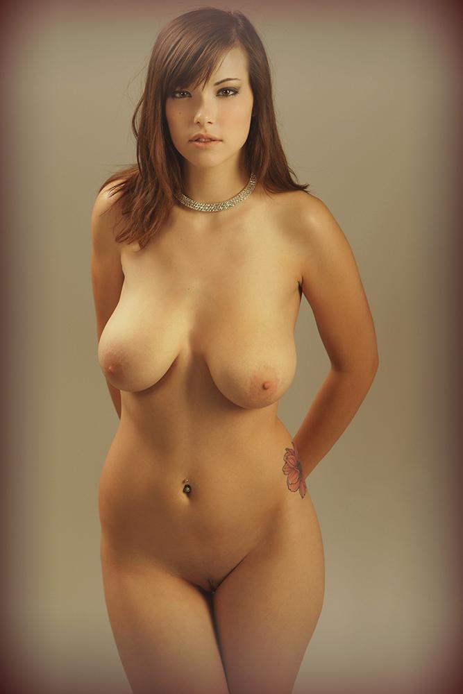 голые девки с большими бедрами фото
